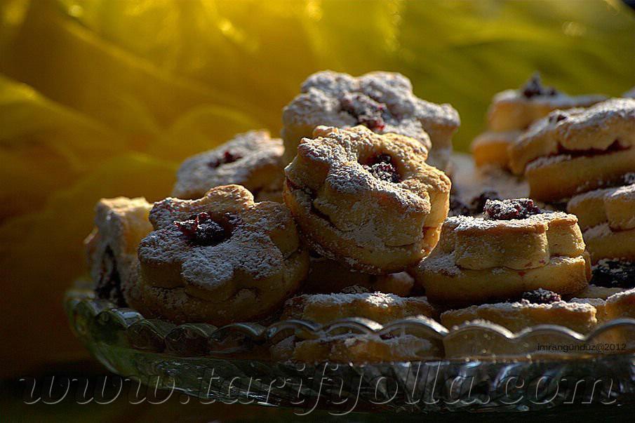 kiraz reçeli kurabiye