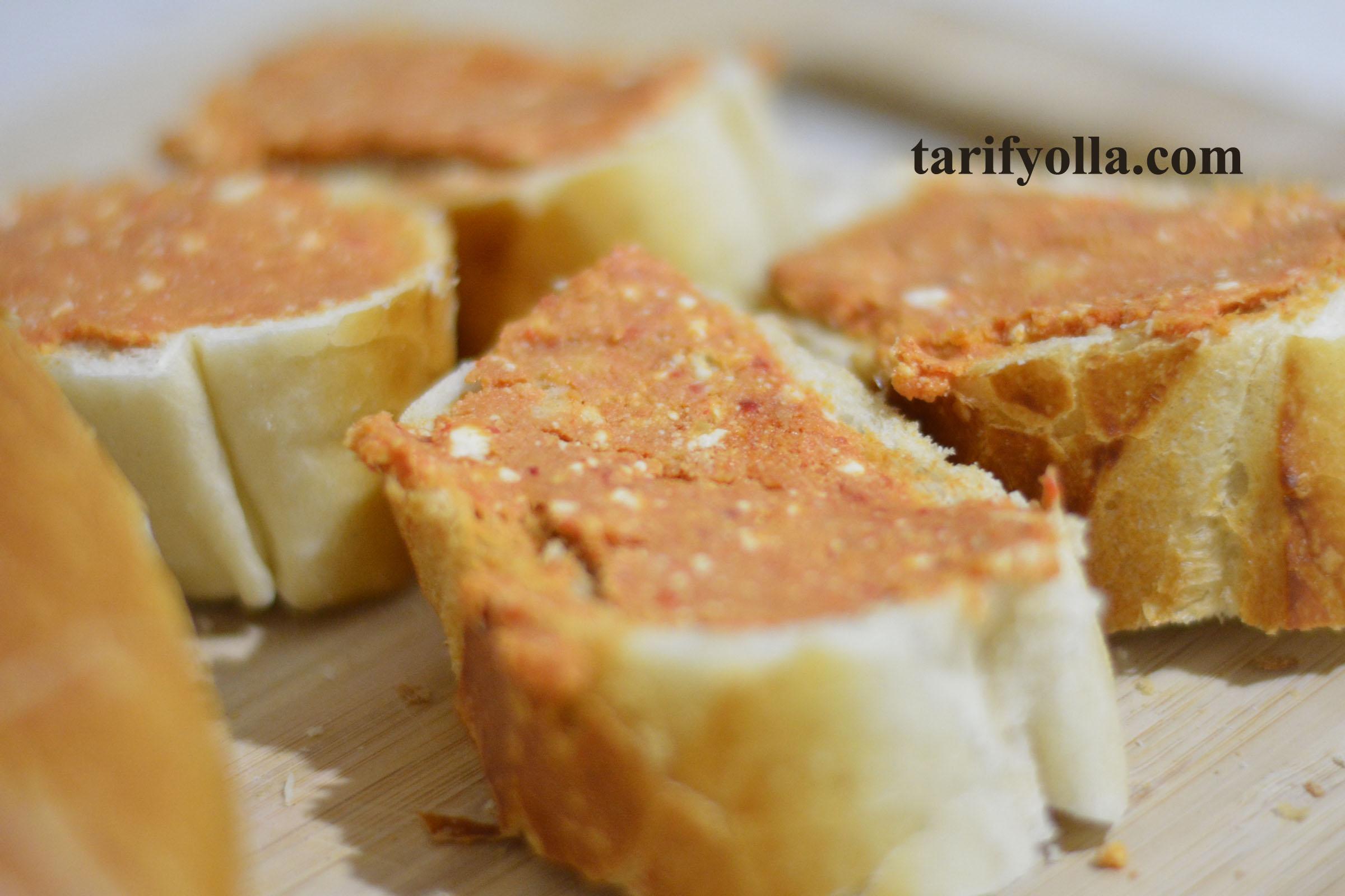 salçalı peynirli ekmek